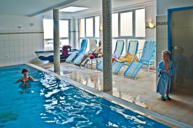kinderschwimmen im hallenbad im strandhotel aseleben schwimmkurse f r kinder schwimmschule halle. Black Bedroom Furniture Sets. Home Design Ideas
